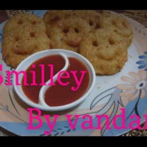 सिर्फ दो चीजों से बनाएं Crispy and crunchy home made smilley by vandana #*smilley#