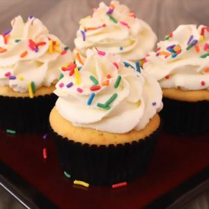 How to make the greatest vanilla cupcakes