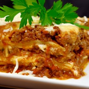 LASAGNA .  how to cook lasagna ,or   italian food