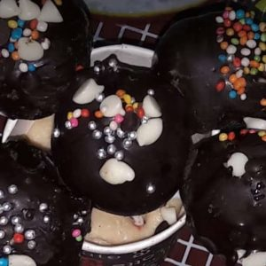 learn how to make leftovers cake chocolate pops BY VANDANA #cakepop#