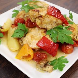 HOW TO BAKE CHICKEN BREAST WITH VEGETABLES | a juicy baked chicken breast black pepper dinner,