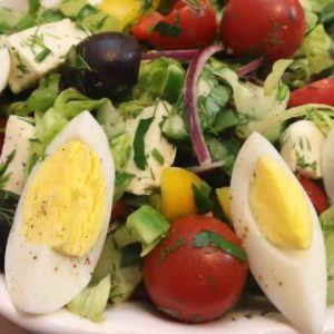 The Perfect Easy Salad (Homemade Salad)