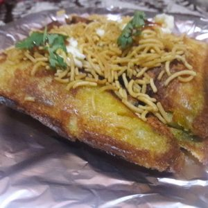 When you eat this dish you also say what a delicious dish Bombay 's street snack aloo sandwich